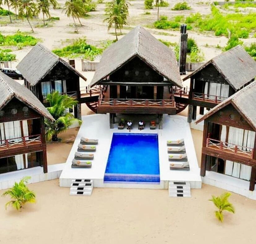 6bedroom Beach House For Shortlet