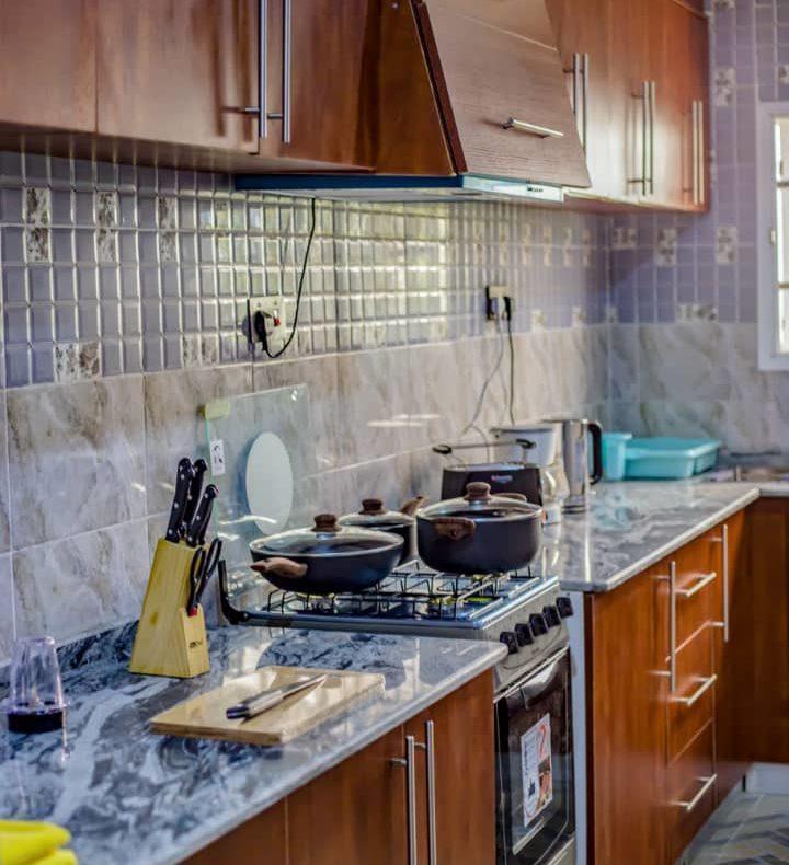 Mace Warm 3br Apartment By Utobert At Life Camp
