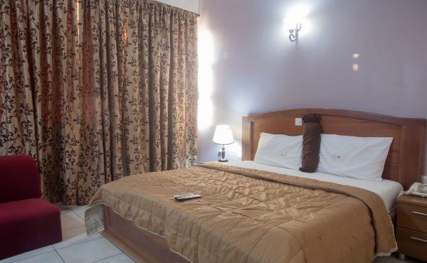 Standard Room 001 600x370 1