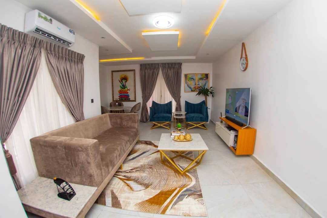 Luxury 3 Bedroom Apartment For Short Let