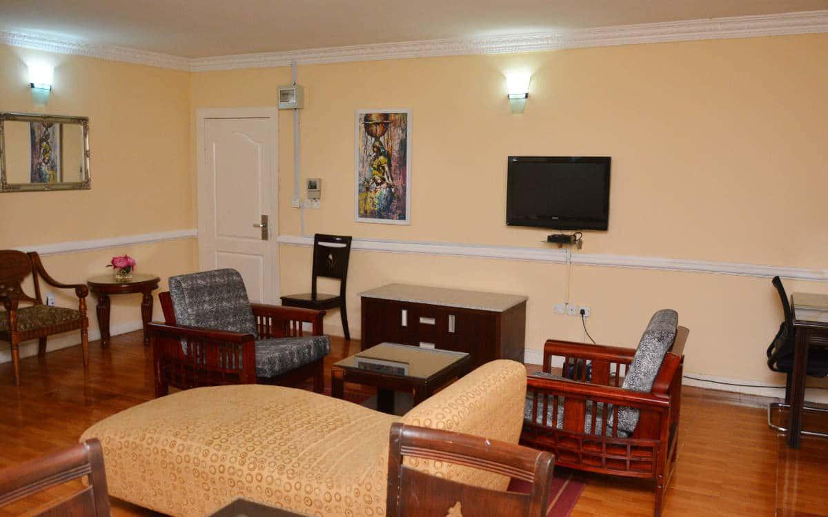 9b10b Sitting Room Chair