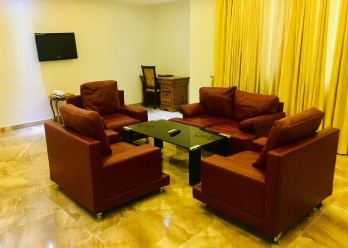 Executive Living Room 1 700x500 2